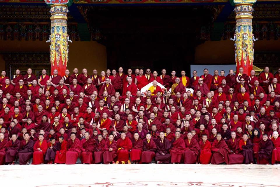 At the inauguration of Thrangu Monastery, fortunate monks of Thrangu Monastery pose with Zuri Rinpoche, Lodro Nyima Rinpoche, Khenpo Karthar Rinpoche and Thrangu Rinpoche.
